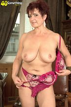 The big boobed divorcee is hot