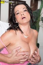 1990s big-tit star Betty Bumpers rides anew!